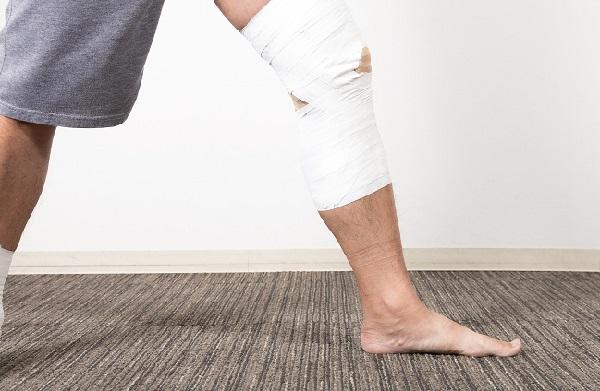 バーベルスクワットで膝が痛い。負担が大きいのかな?